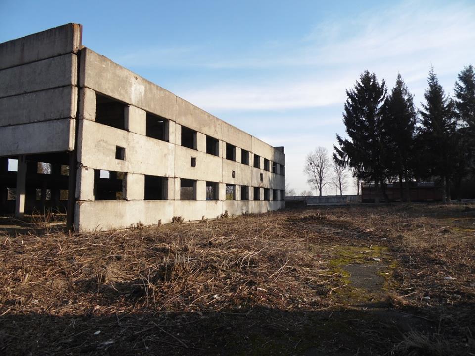 Территорию аэропорта Хмельницкий продолжают расчищать