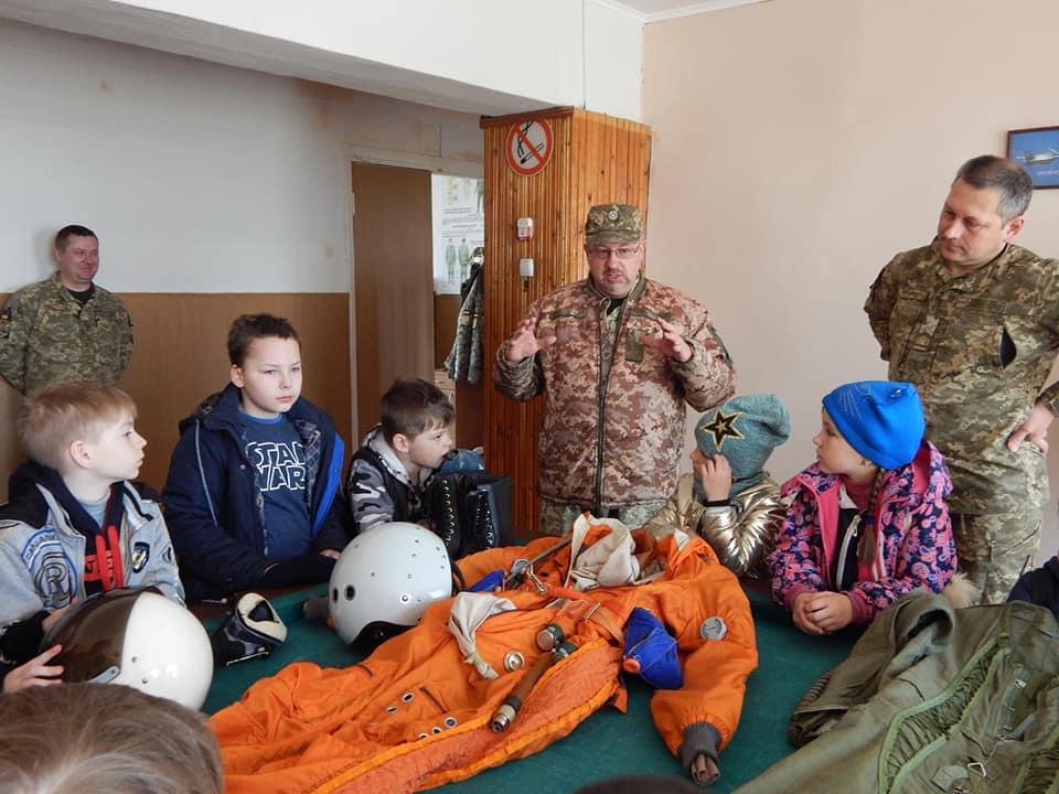 В Комнате Боевой Славы в 831 бригаде тактической авиации открыли новые стенды