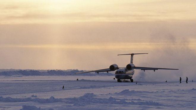Российскую арктическую экспедицию отменили без украинского самолета