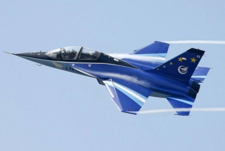 Украина заинтересована в организации производства Hongdu L-15