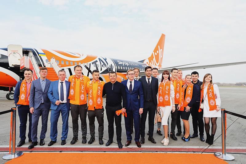 Boeing 737-700 NG авиакомпании SkyUp Airlines* получил фирменную ливрею      ФК «Шахтер»