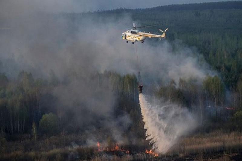 Авиация ГСЧС тушила пожар в чернобыльской зоне