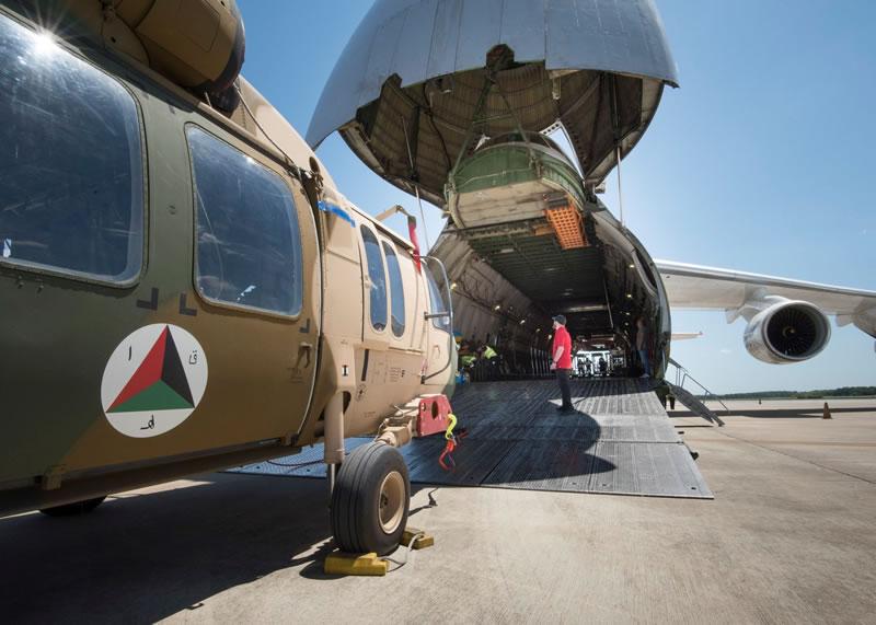 Украинский «Руслан» доставляет вертолеты в Афганистан