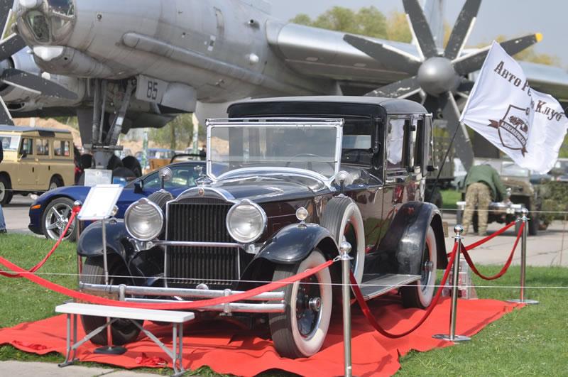 В Государственном музее авиации проведут фестиваль Old Car Land