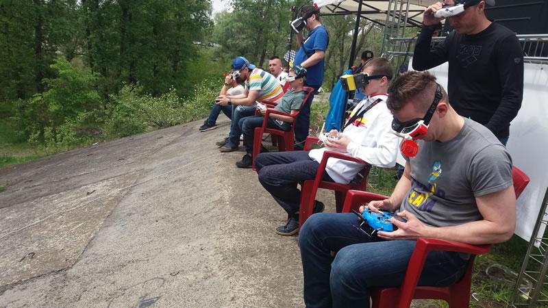 В Киеве состоялся первый этап Чемпионата по дрон-рейсингу