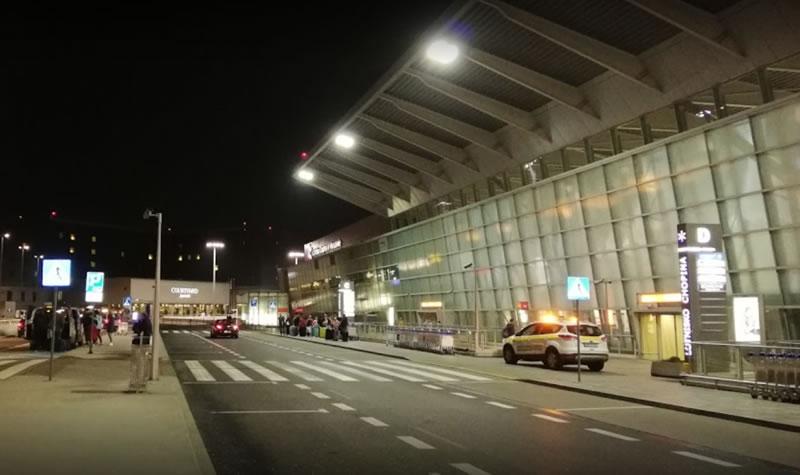 Украинцы будут проходить контроль в аэропортах Варшавы по-новому
