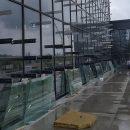 В новом терминале Запорожья стеклят фасад