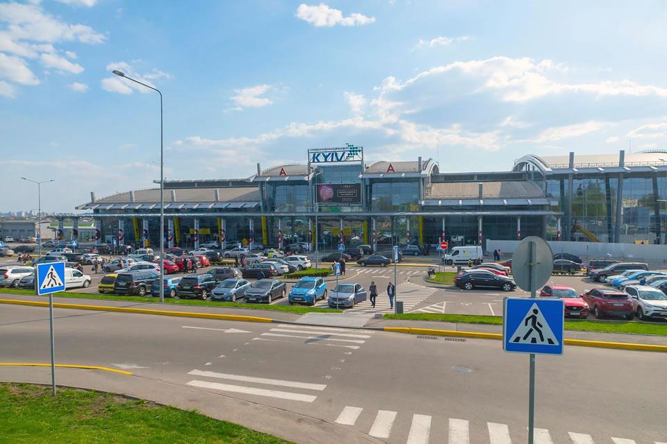 Суд отменил штраф АМКУ для аэропорта «Жуляны»