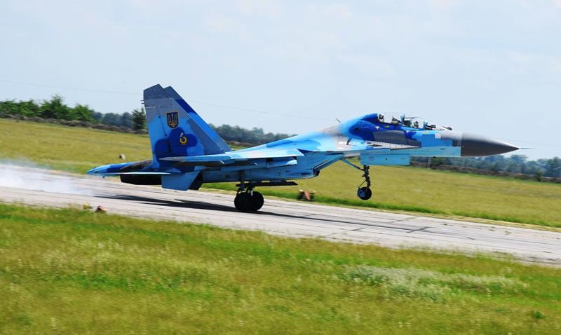 В Миргороде летчики шлифовали групповую слетанность