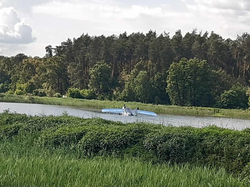 Ан-2 сел на воду в Киевской области