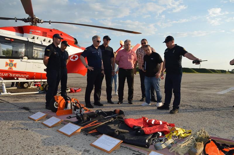 Авиаторы ГСЧС делились опытом с чешскими колегами