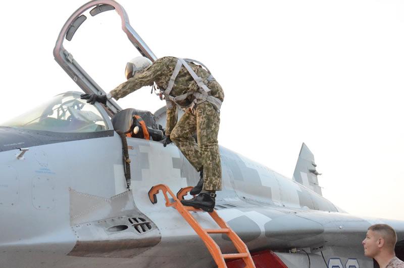 Первые самостоятельные полеты на МиГ-29 состоялись в Василькове
