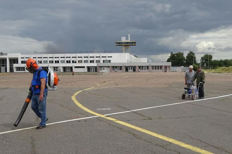 В Черкассах нашли временное решение для изношенного перрона аэропорта