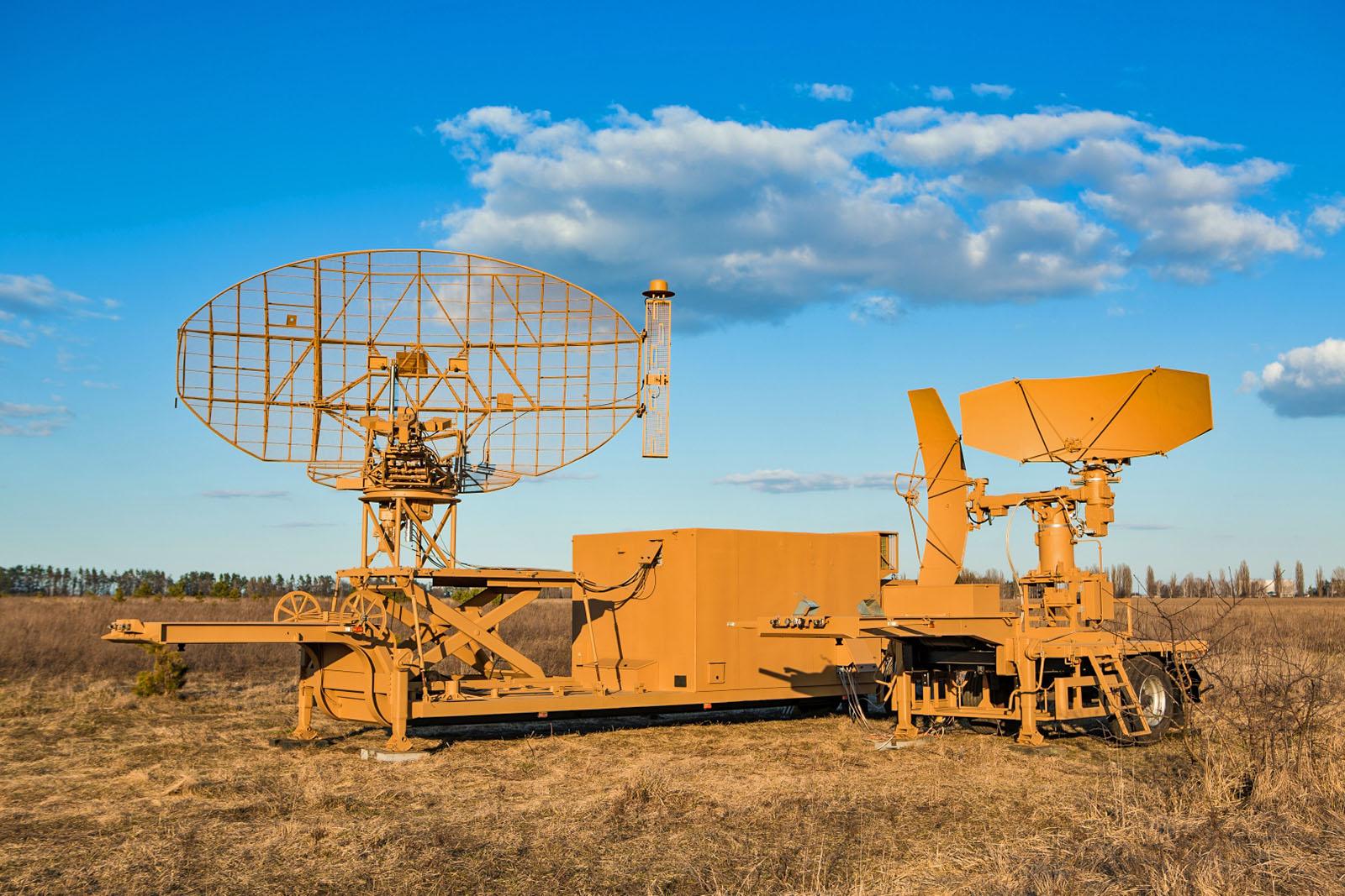 На Луцком аэродроме развернули модернизированную систему посадки украинского производства