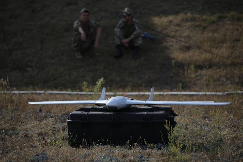 Беспилотный военная авиация: успехи и проблемы