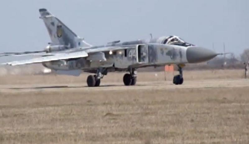 Испытательные полеты отремонтированных на заводе «НАРП» самолетов Ил-76 и Су-24 ВСУ
