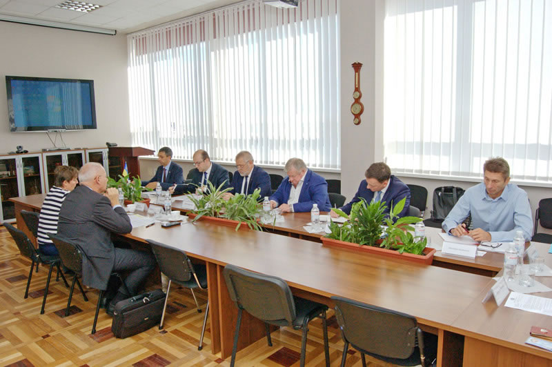 В Национальном Космическом агентстве состоялась встреча с французской делегацией