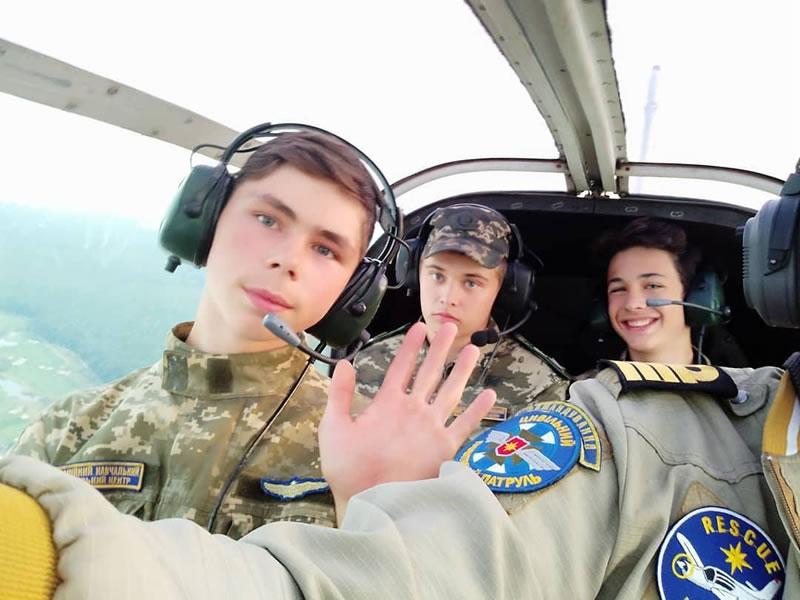 Авиакадеты - в Харькове учат летать подростков