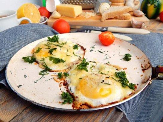 Яичница с сыром рецепт на сковороде