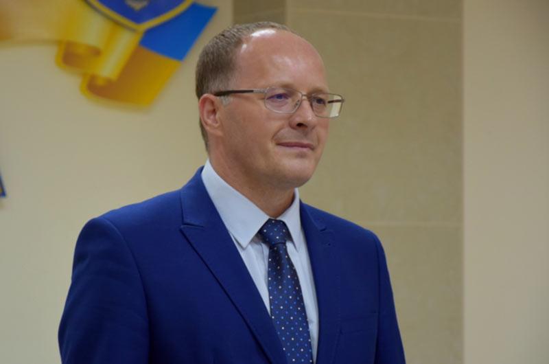 «Болеет вопросом, делает это от души», - губернатор о работе директора аэропорта Николаев