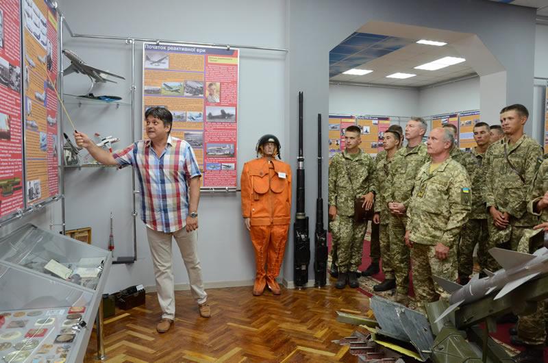 В ХНУВС открыли Зал истории авиации и ПВО