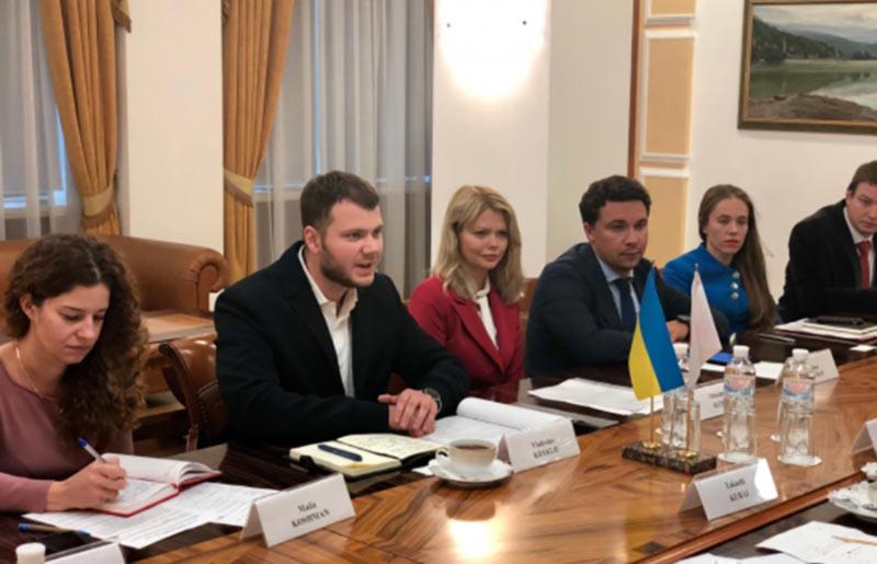 Украина предлагает восстановить прямое авиасообщение с Японией