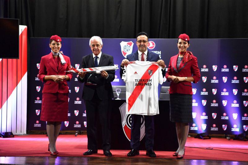 Авиакомпания Turkish Airlines и футбольная команда «Ривер Плейт» объявили о заключении …