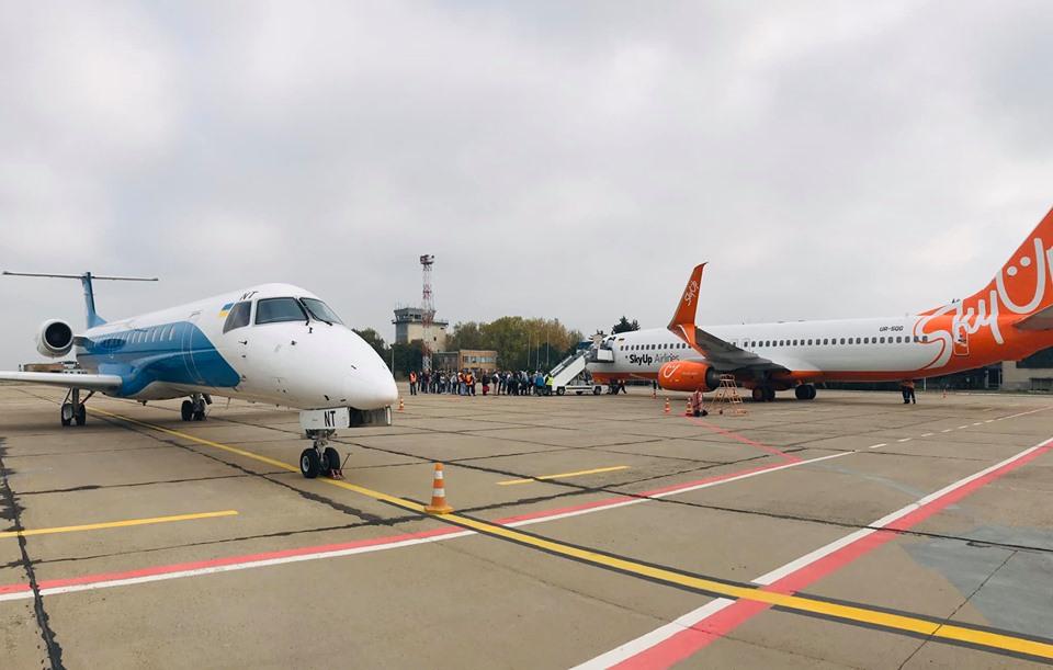 Аэропорт Николаев принял 3 самолета за день