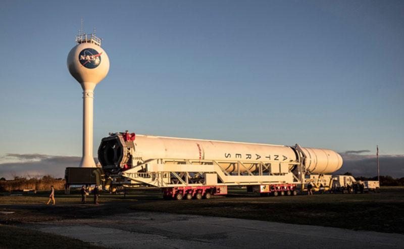 Начата  подготовка к пуску ракеты-носителя