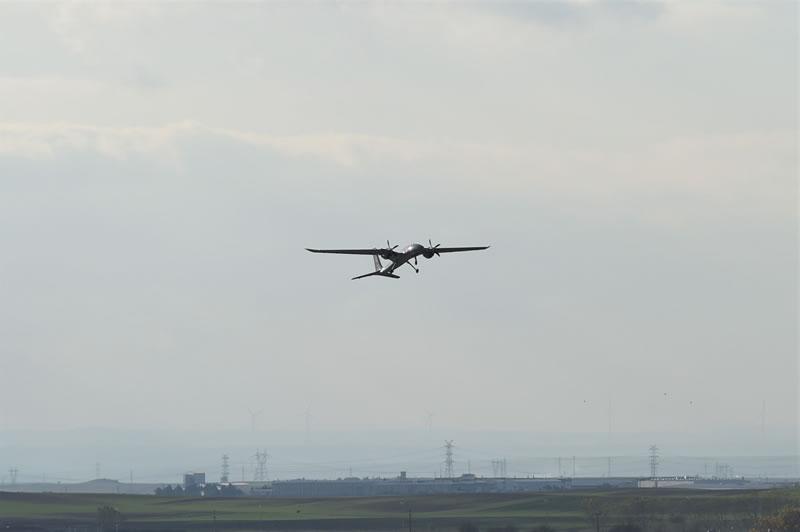 Турецкий Akinci с украинскими двигателями впервые взлетел