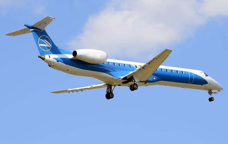 Самолет Windrose вернулся в Борисполь из-за сигнализации о пожаре