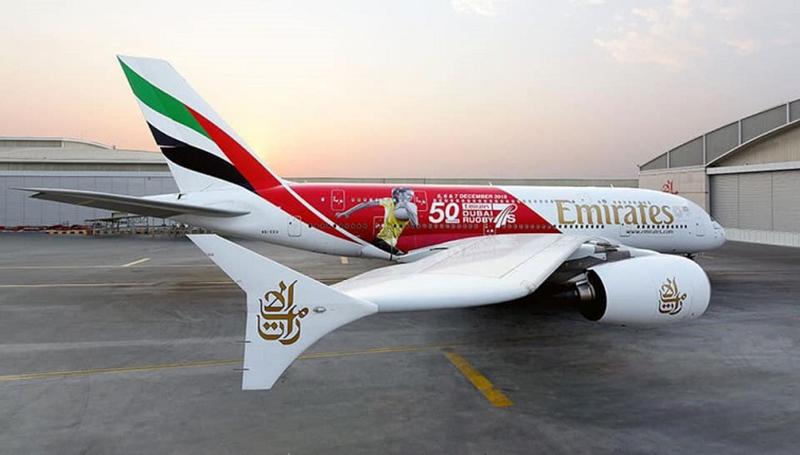 Фото украинской регбистки украсило самолет Fly Emirates