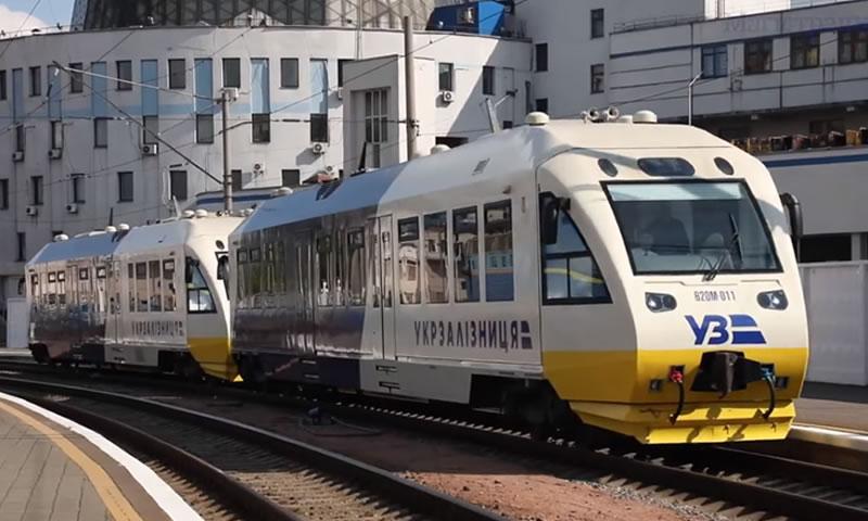 Железнодорожный экспресс за год перевез в Борисполь почти миллион пассажиров