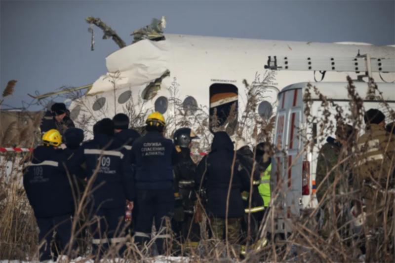 В Казахстане разбился пассажирский самолет