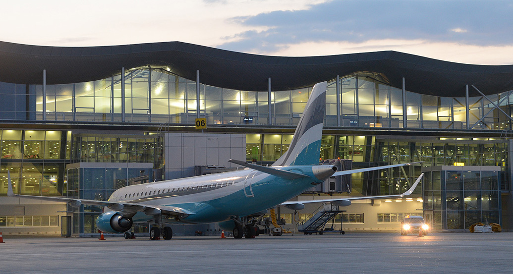 Площади в терминалах F и D