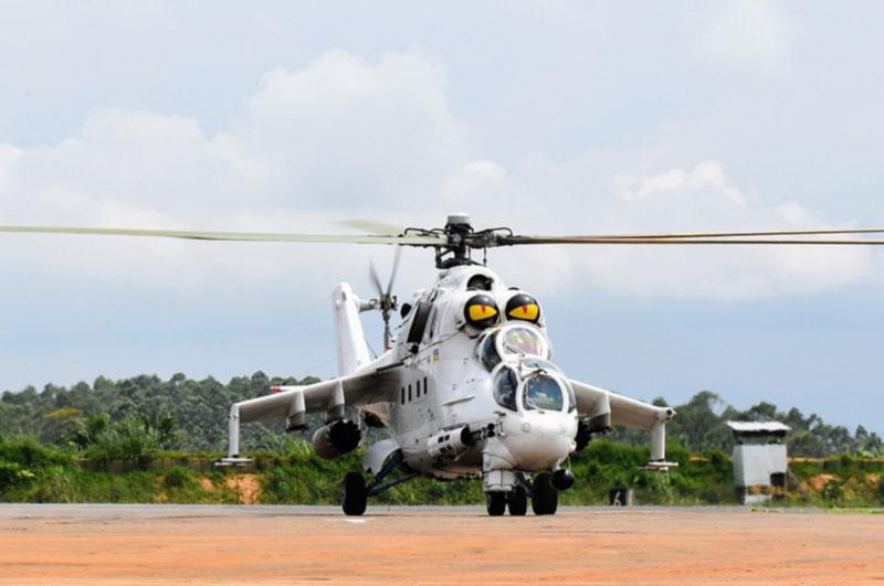 Тяжелые будни украинских вертолетчиков в Конго