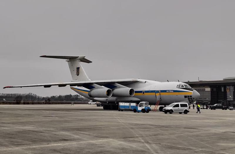 Самолет Ил-76, доставивший тела погибших в Иране украинцев, отправился в бригаду