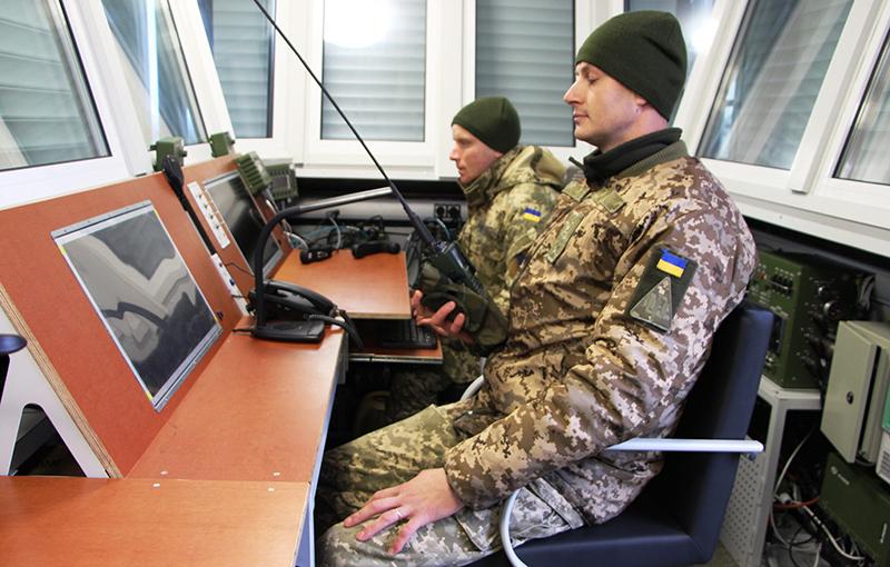 Авиаторы испытывают модернизированный стартовый командный пункт