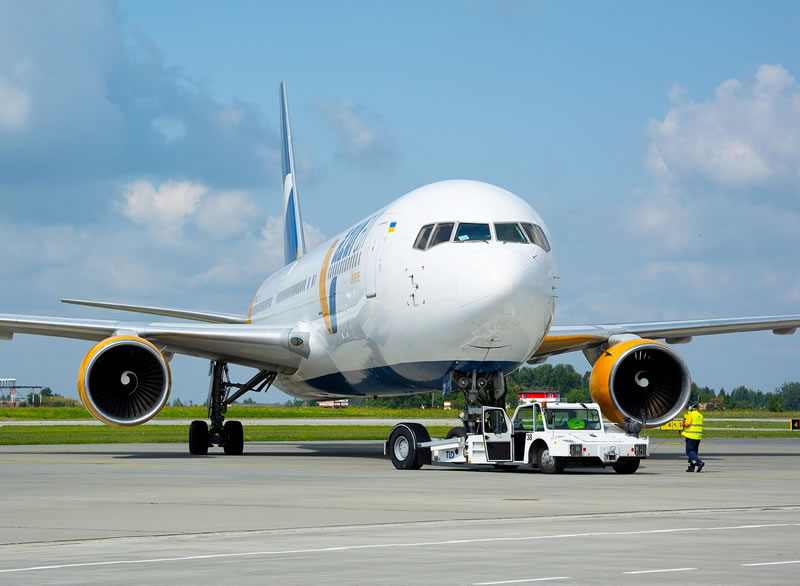 Azur Air начнет летать в Минск с 1 марта