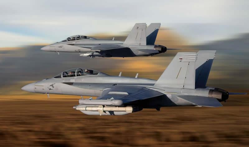 В США испытали F-18 в беспилотном режиме
