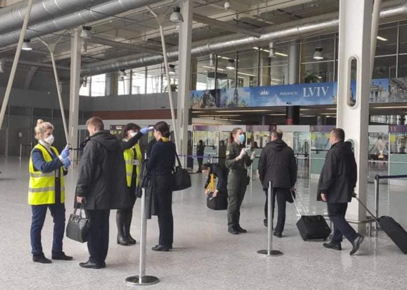В аэропорту Львов ввели особый режим