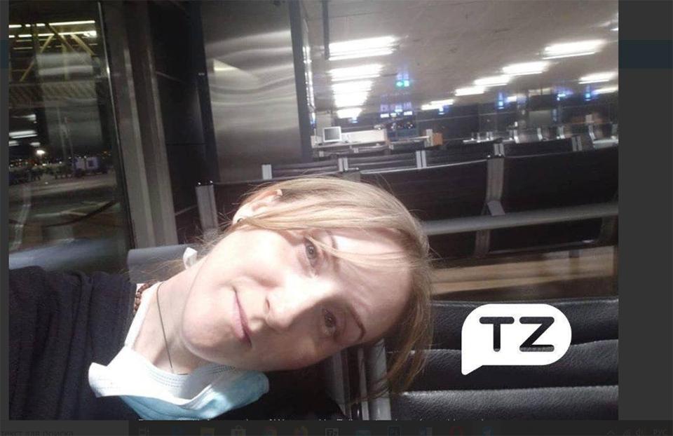 Две украинки уже третий день живут в аэропорту Стамбула