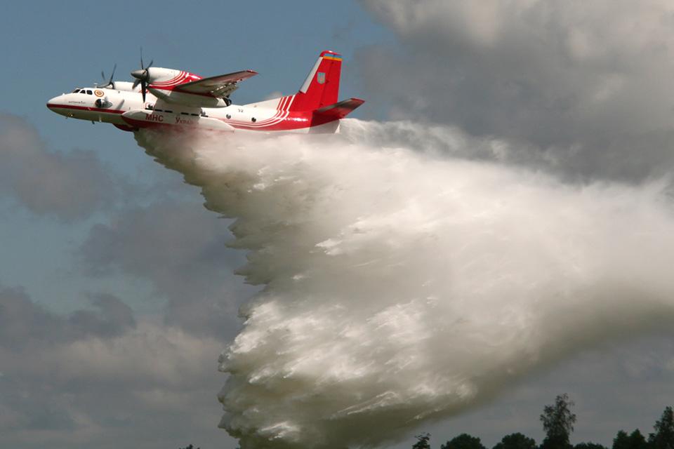 Для ликвидации пожаров авиация ДСНС только за неделю осуществила 280 вылетов