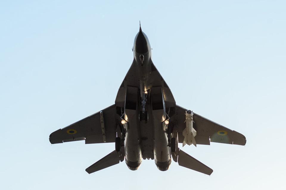 Продолжаются летно-конструкторские испытания опытного образца модернизированного самолета МиГ-29