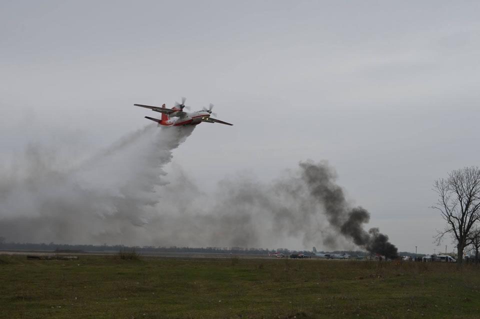 Авиация продолжает тушить пожар в Чернобыльской зоне