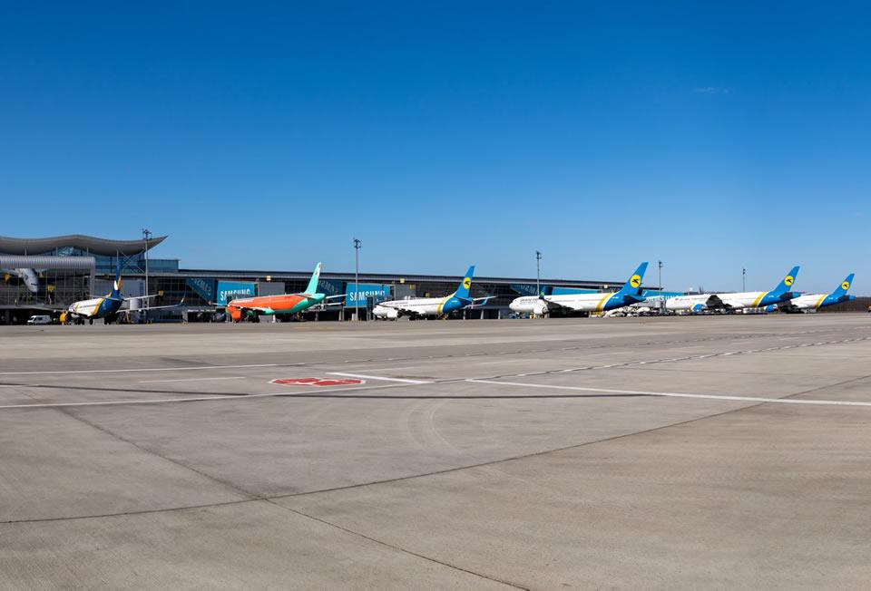КМУ отменил регулирование цен на авиабилеты