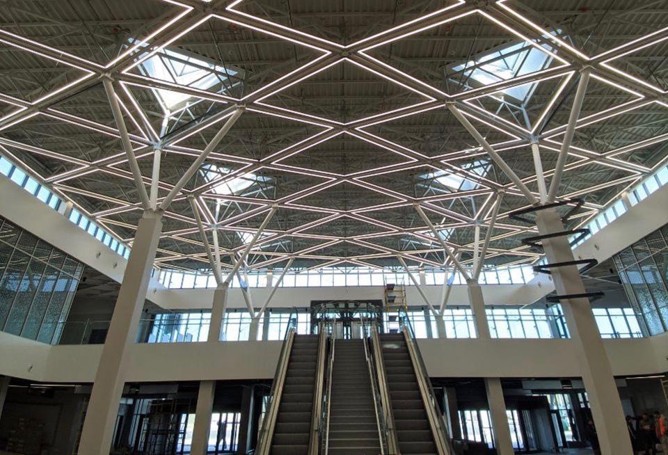 В аэропорту Запорожье продолжается работа над освещением