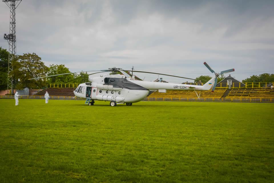 На Буковине спасатели отработали действия по транспортировке больного вертолетом