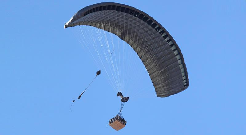ССО начали использовать парашютную систему точной доставки
