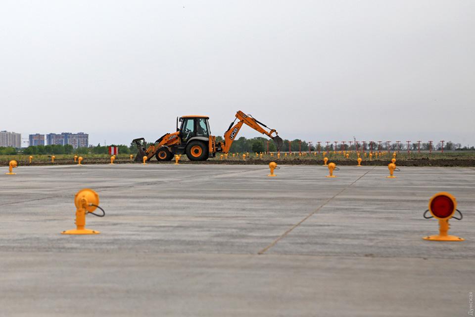 Взлетная полоса аэропорта Одесса почти готова